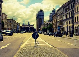 München Ludwigstraße mit Blick auf die Feldherrnhalle am Odeonsplatz