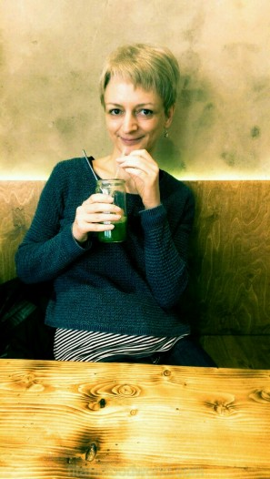 Smoothie pause im Rebella Bex Café München