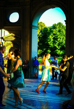 Salsa im Hofgarten München